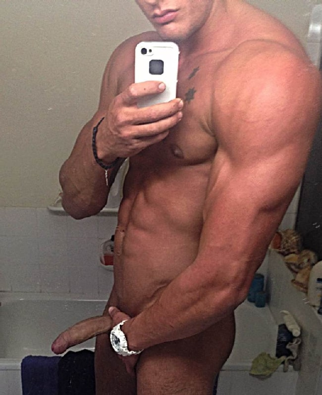 Hunk With Nice Cock