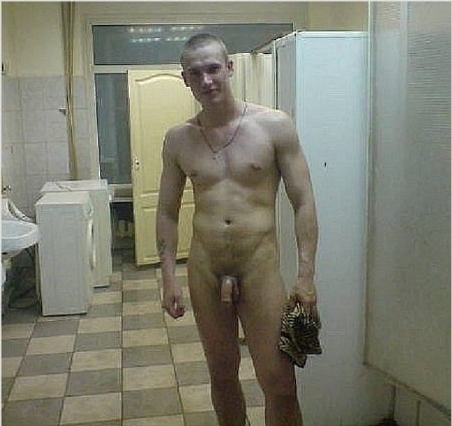 Spy Cam Dude: Naked in the locker room